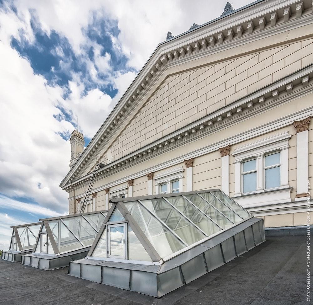 Сценическая коробка, вид со стороны переулка Чайковского. Фото: А. Гиманов