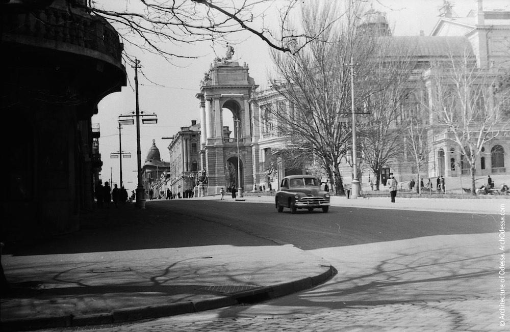 Вид Ланжероновской и театра, 1959 г.