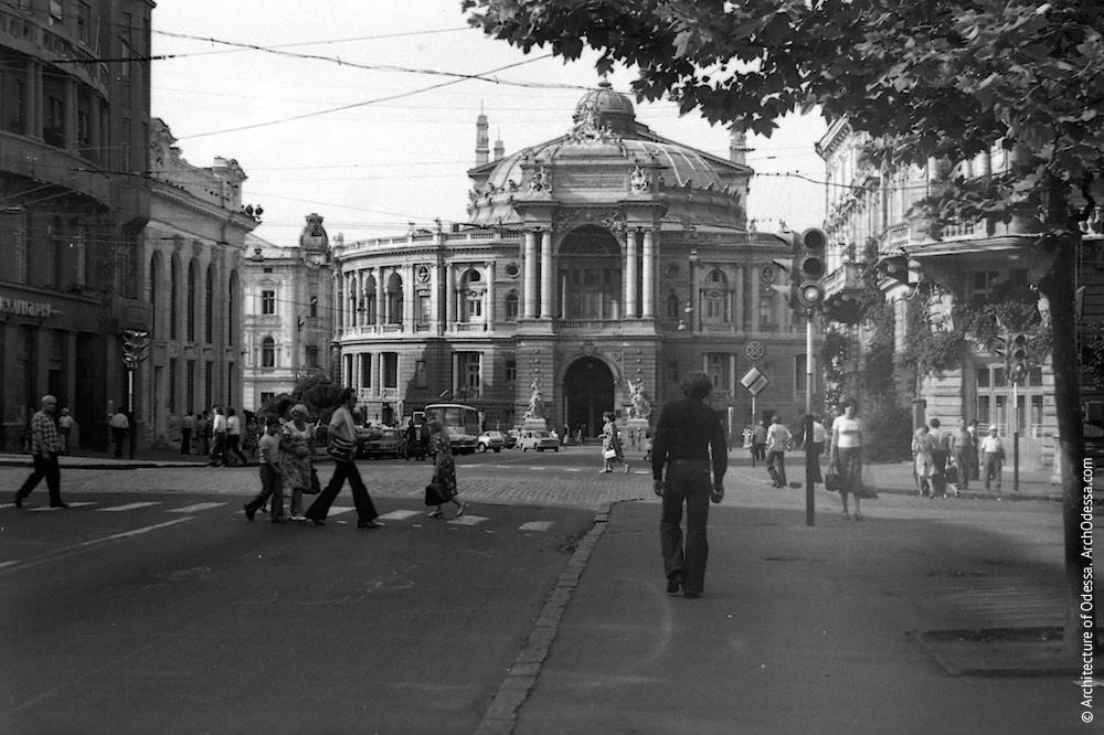 Вид театра с Ришельевской, 1978 г.