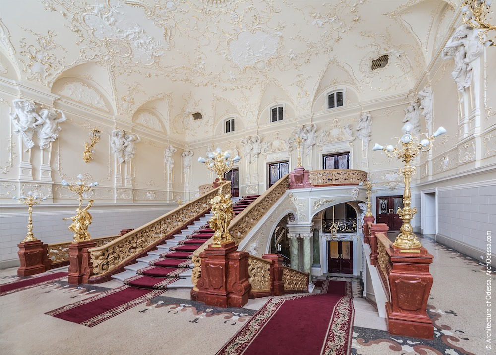 Интерьеры. Парадные лестницы. Одесский национальный академический театр оперы и балета. Архитектура Одессы
