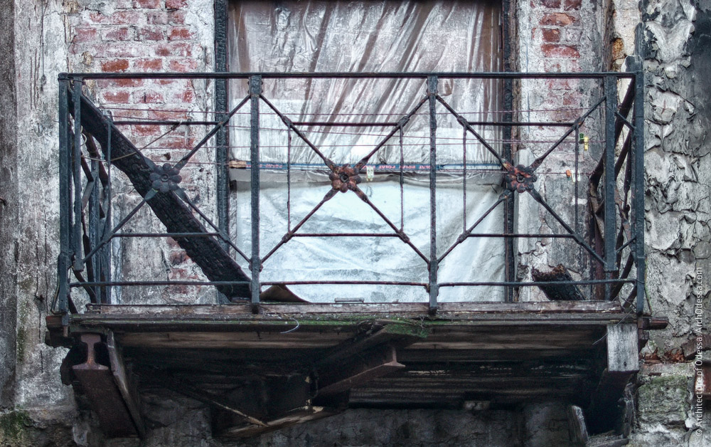 Аутентичный балкон