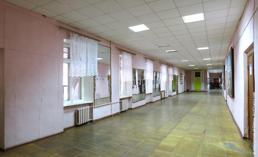 Общий вид коридора на втором этаже