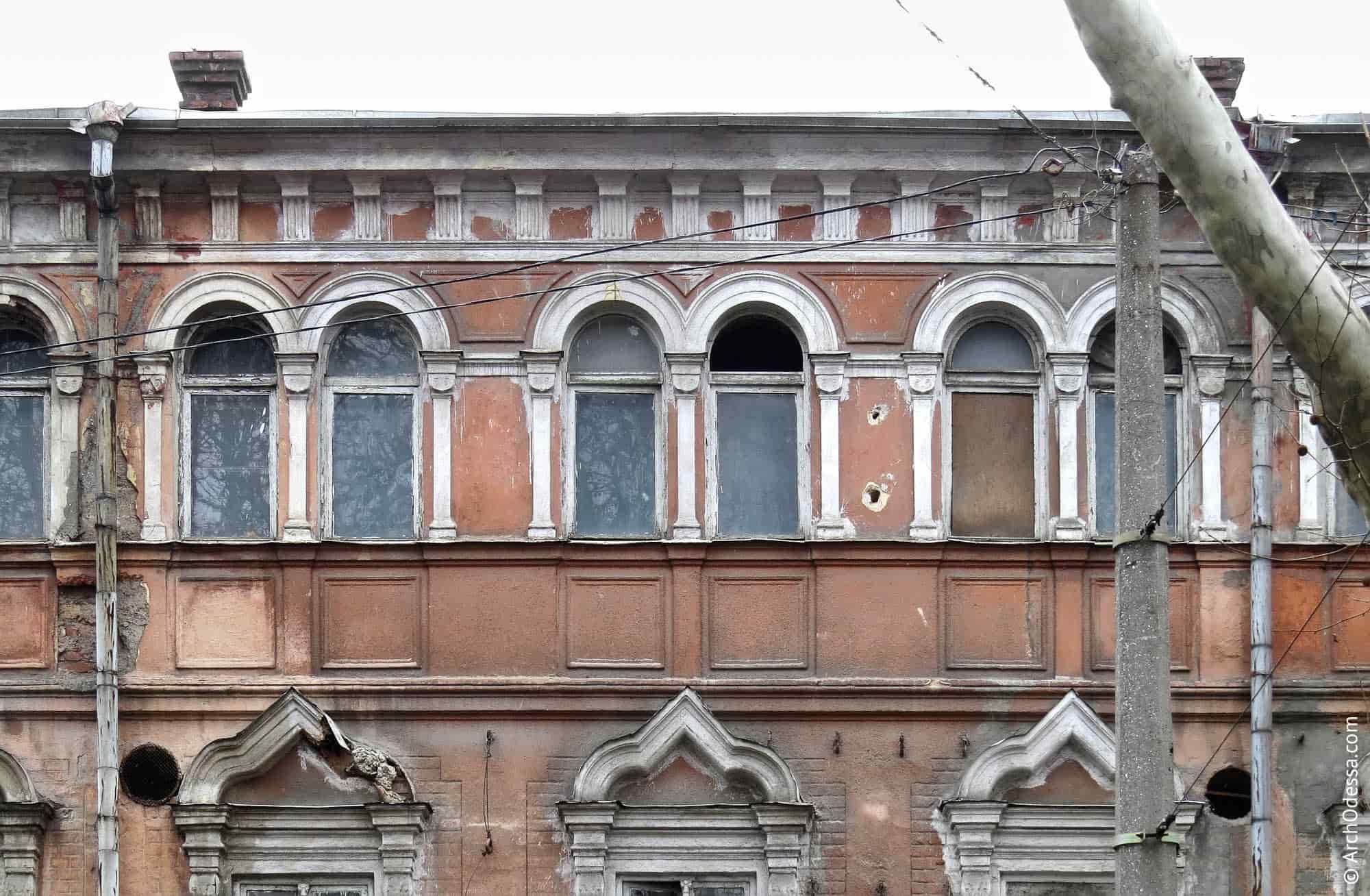Лиштви вікон третього поверху
