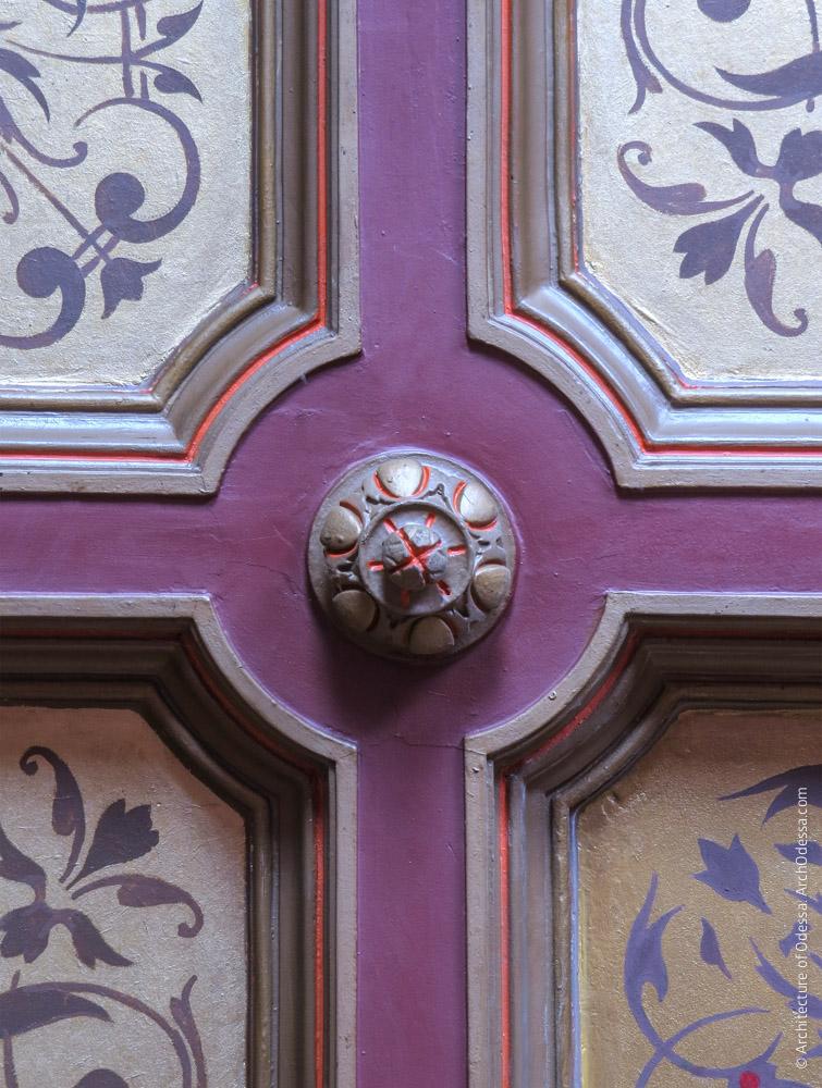 Потолок, деталь на стыке кессонов