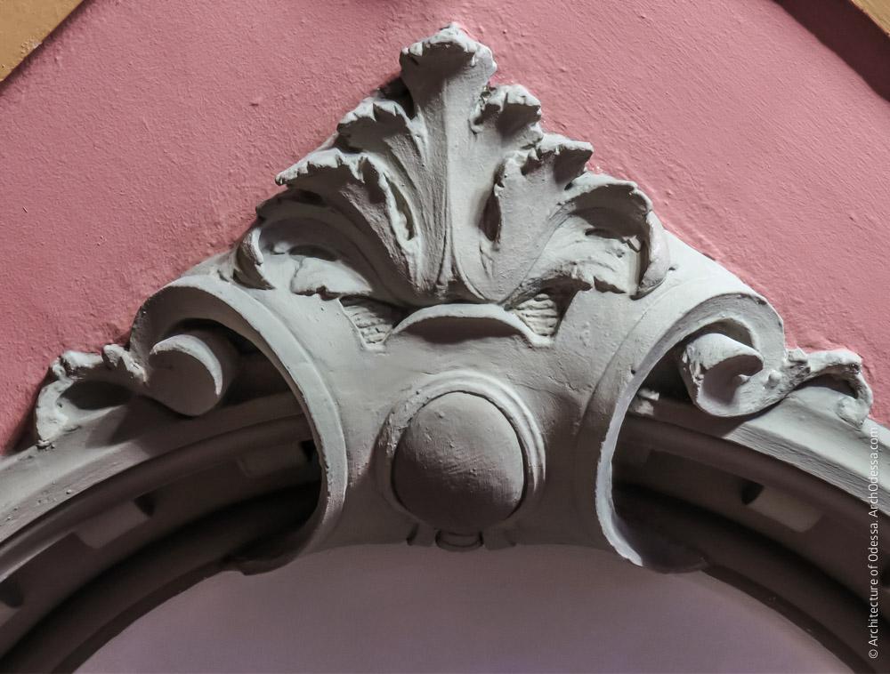 Потолок, деталь угловой филенки