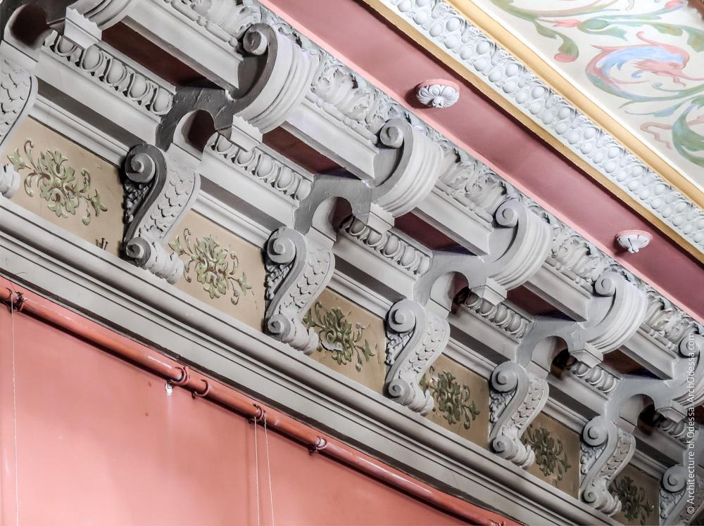 Потолок, фрагмент карниза