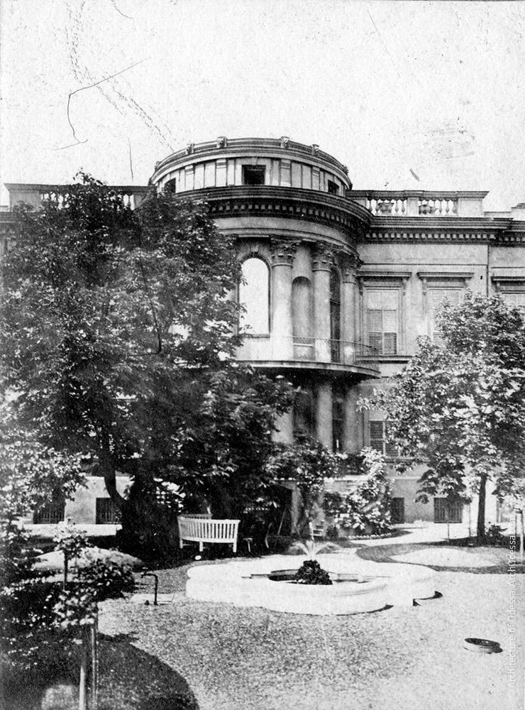 Вид Старого дворца из Летнего сада, 1890-е г.г.