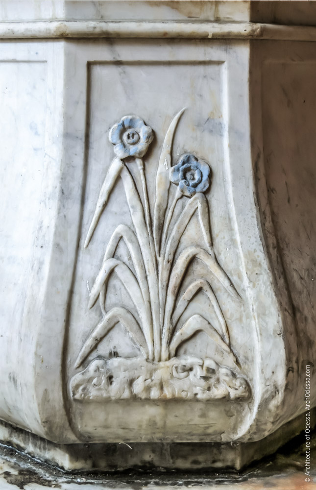 Колодец, декорированная грань