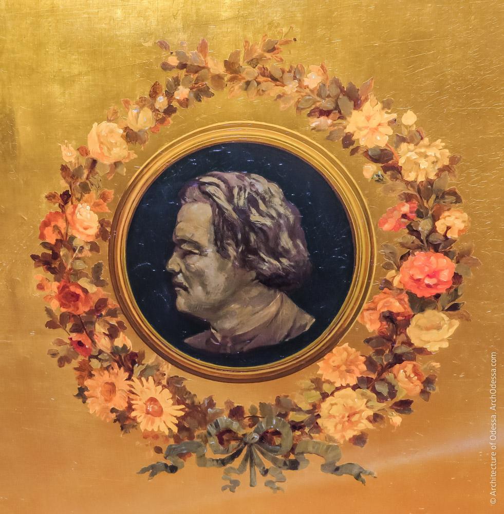 Отделка внутренней стороны крышки, портрет А. Г. Рубинштейна