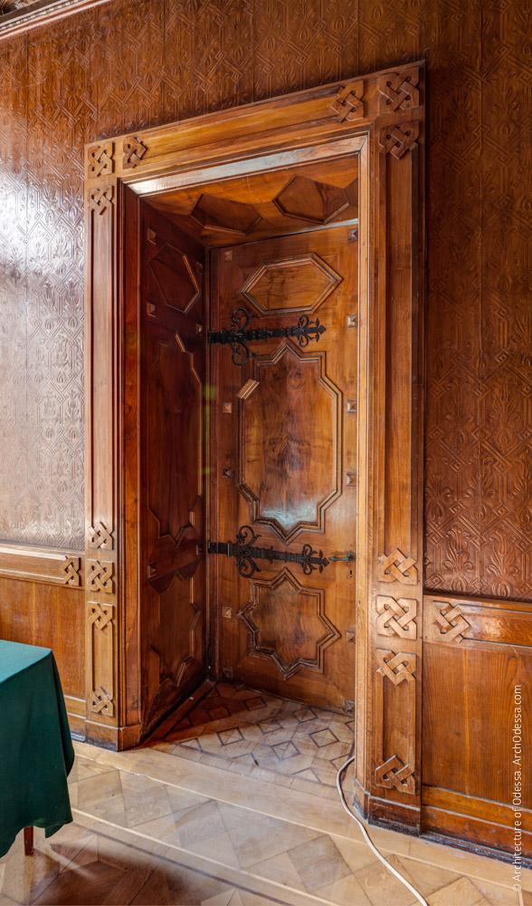 Дверь, общий вид