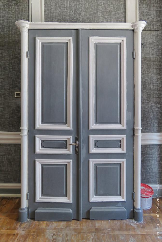 Дверной тамбур