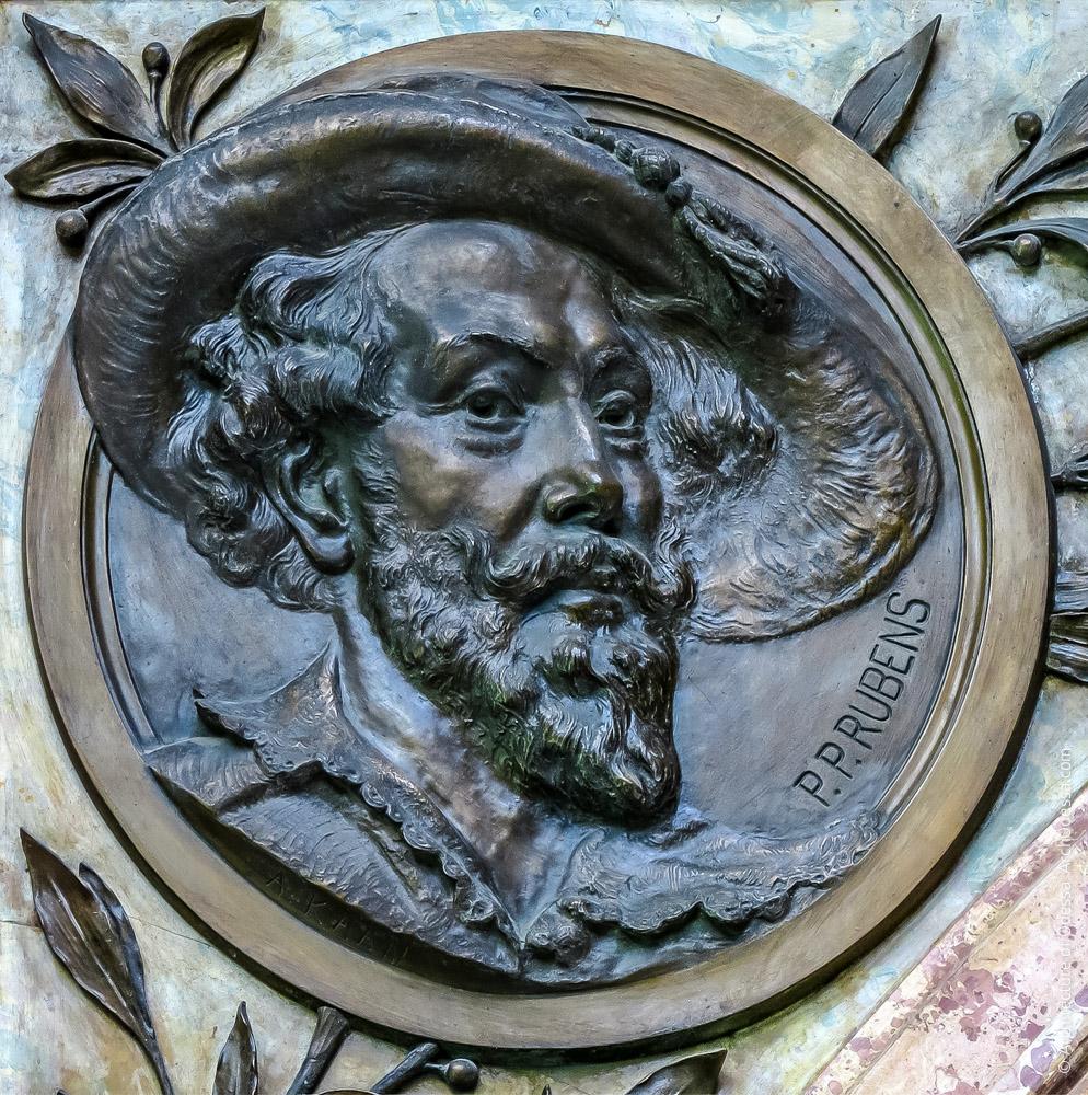 Медальон с портретом Рубенса
