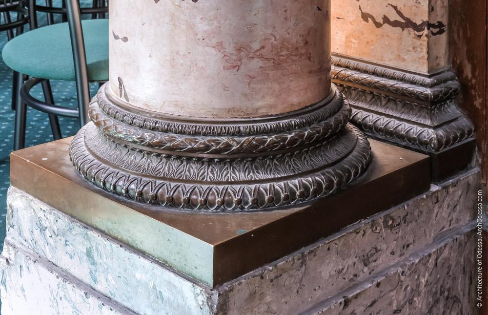 Основание колонны импоста