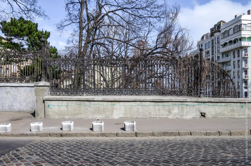 Ограда, общий вид