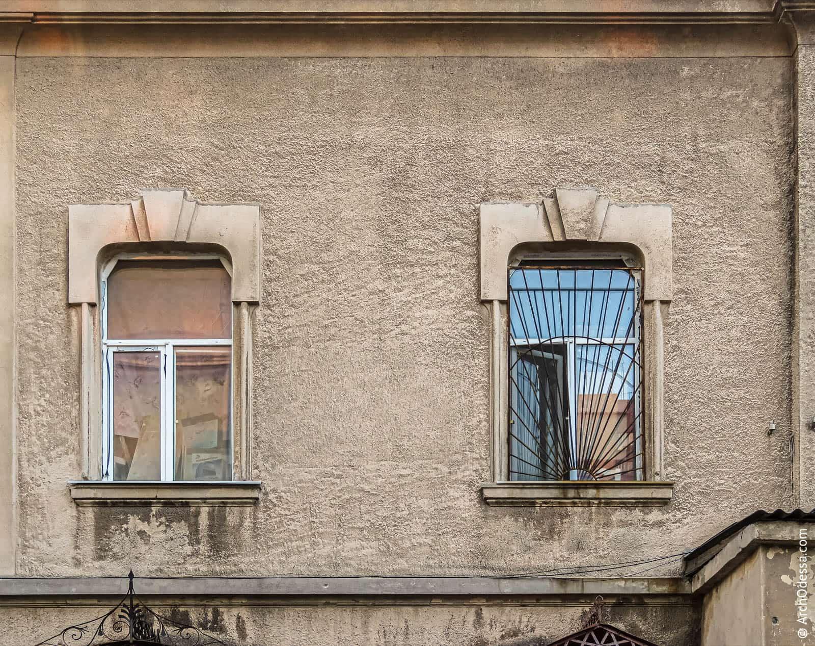 Окна основной фасадной плоскости