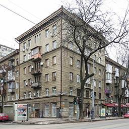 Жилой дом со встроенным детским садом на Базарной, 65