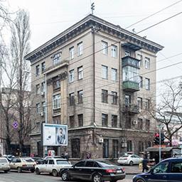 Жилой дом преподавателей станкостроительного техникума на Базарной, 67