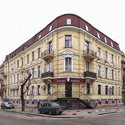 Гоголя, 19. Доходный дом графа <nobr>М. М. Толстого</nobr> (старшего)