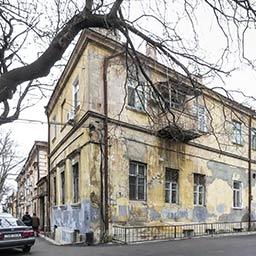 Дом Сабанского, казармы на Юрия Олеши, 5