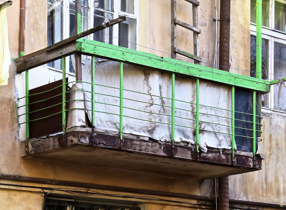 Troitskaya, 22. The Residential building of Soviet merchant fleet. Architecture of Odessa. History of Odessa. Tourism in Odessa. Ukraine
