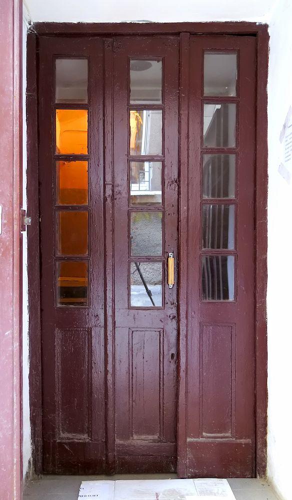 Entrance door (rear wing)