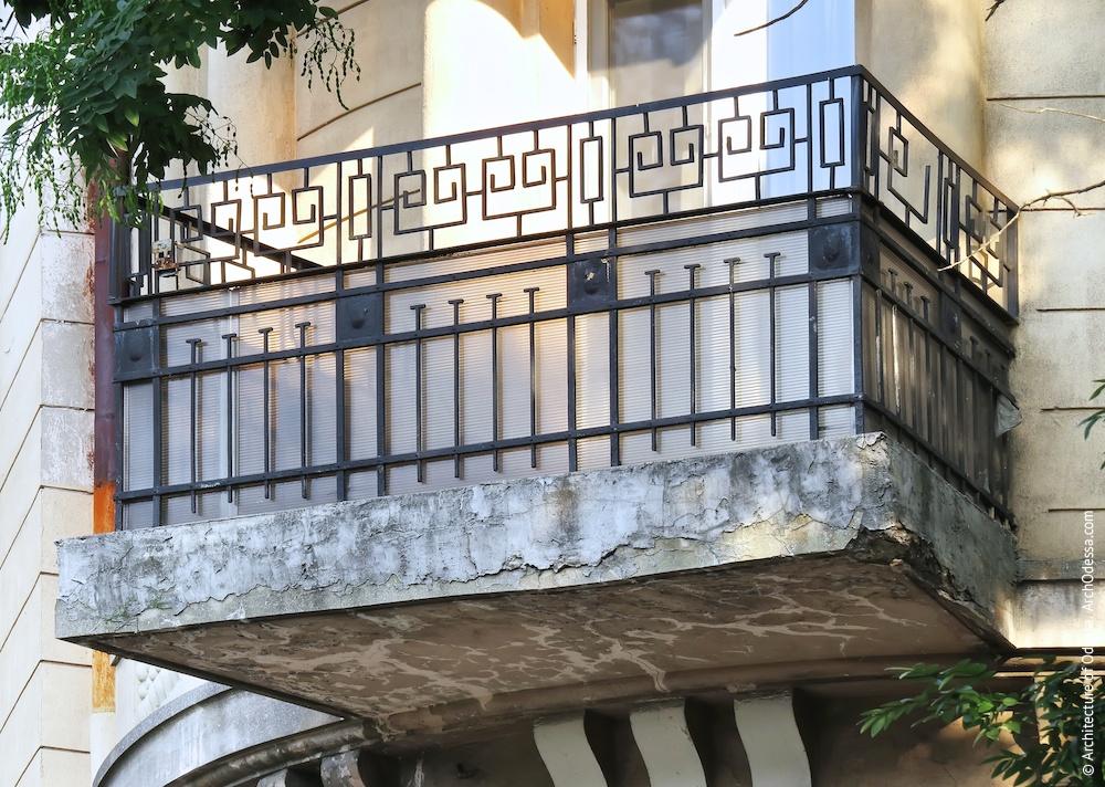 Кутовий балкон