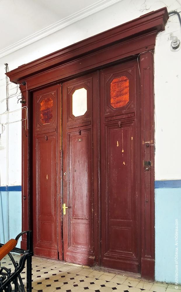 Квартирні двері, широкий варіант