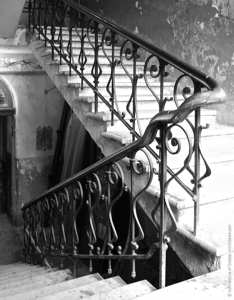 Оригінальні сходові огорожі