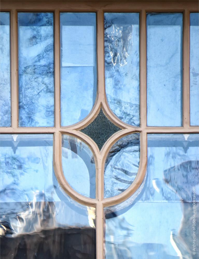 Нижнее световое окно лестницы, фрагмент переплета